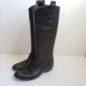 FRYE Ray Black Pull On Leather Boots